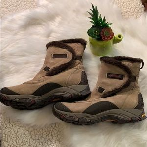 Merrell Vibram 400 gram insulation primaloft boots